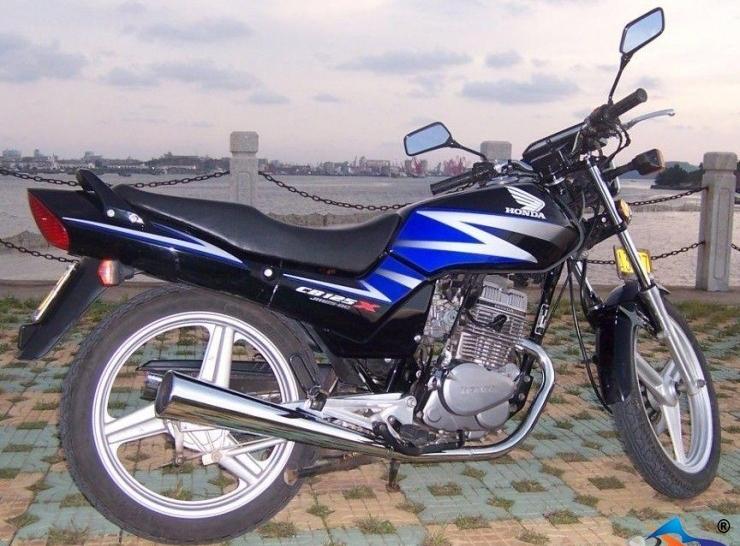 出售二手嘉陵本田125系摩托车(双缸),车型良好