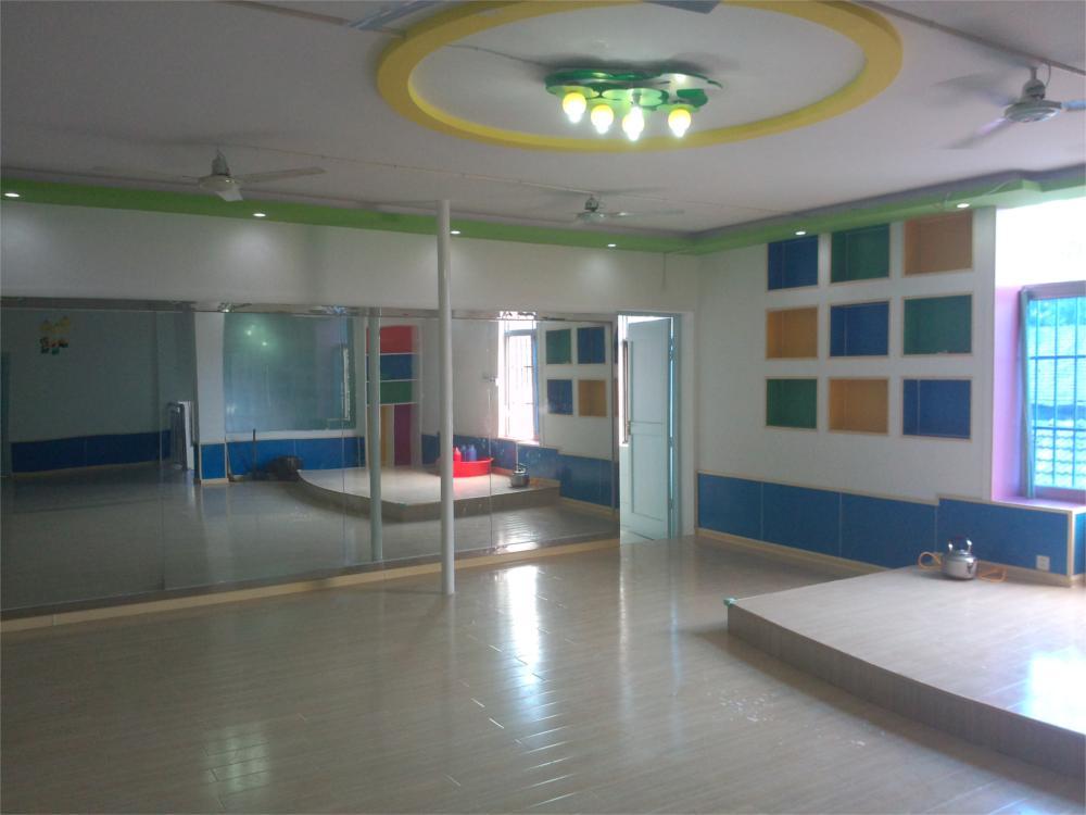 地址:桃州镇迎春街宝塔斜对面小彩虹幼儿园 咨询电话:13865328700